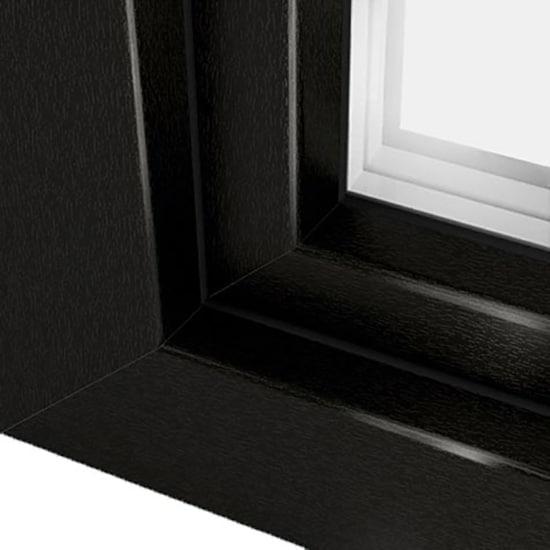 Fen tre pvc brun noir teinte sombre et l gante ral 8022 for Fenetre noir