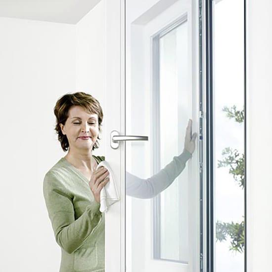 pose fen tre comment installer poser une fen tre. Black Bedroom Furniture Sets. Home Design Ideas